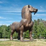 Памятник богатырскому коню в Воронеже