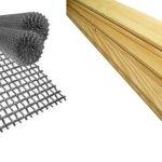 Металлическая сетка и деревянные доски