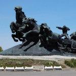 Памятник тачанке в Ростове-на Дону