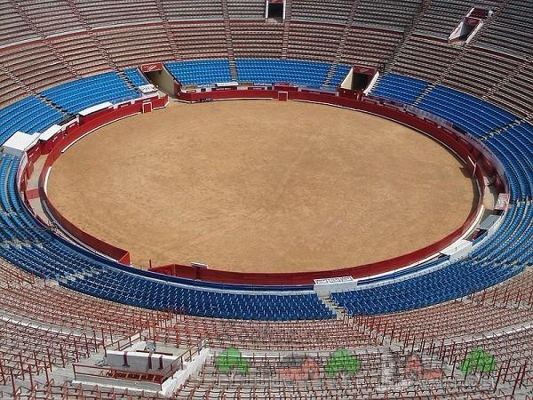 Наибольшая в мире арена Plaza Monumental