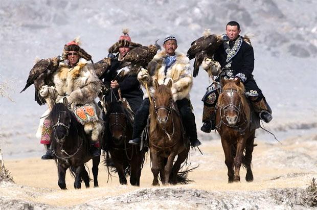 Кочевники верхом на конях