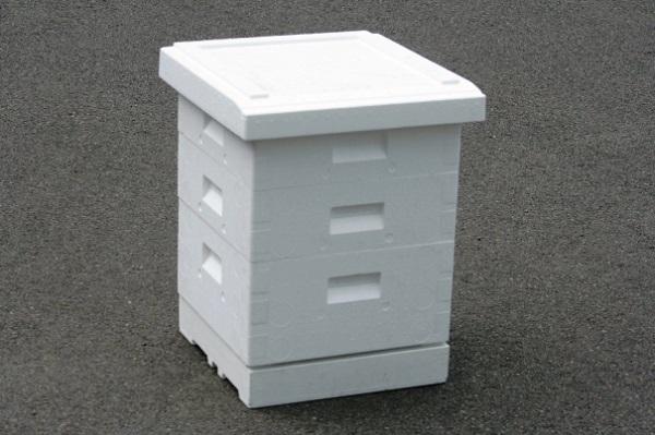 Пенопластовый домик для пчелок