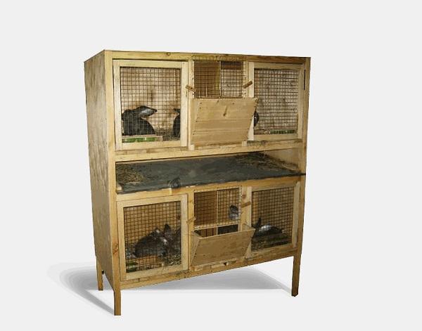 Клетка с кроликами на два этажа