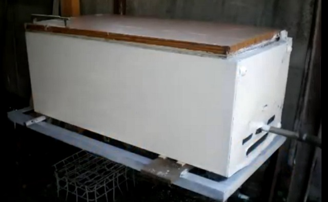 Вид готового аппарата из холодильника