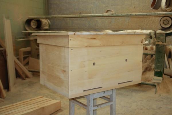 Готовый деревянный лежак