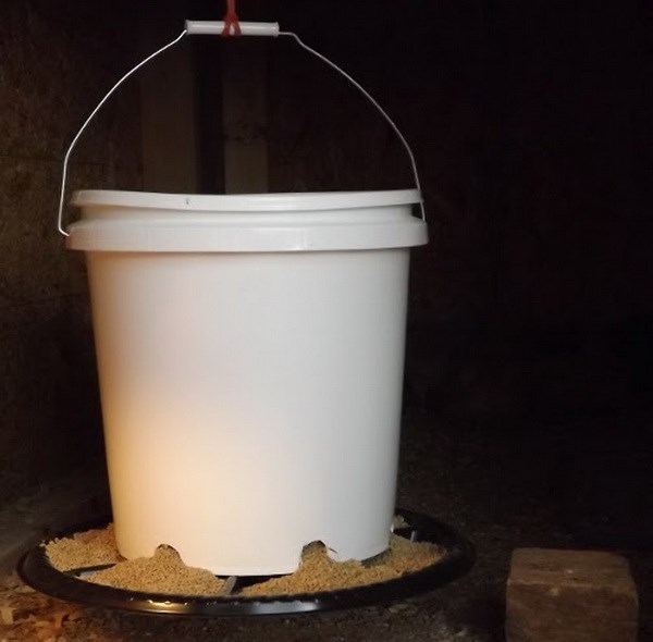 Переносная самодельная емкость для зерна